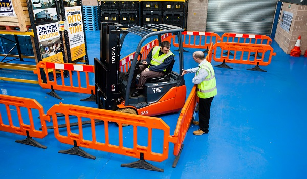 Why More Companies are Training Onsite Lift Truck Instructors