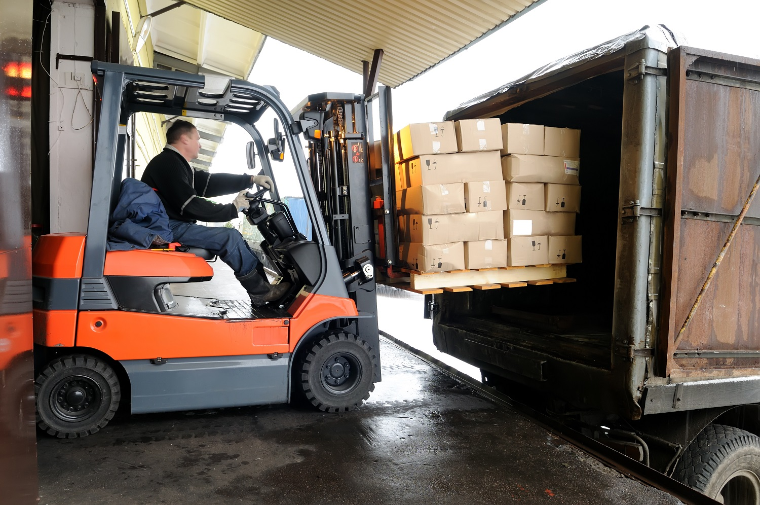 Unsafe Lifting Operation Involving Forklift Leads to Life Changing Injuries for HGV Driver