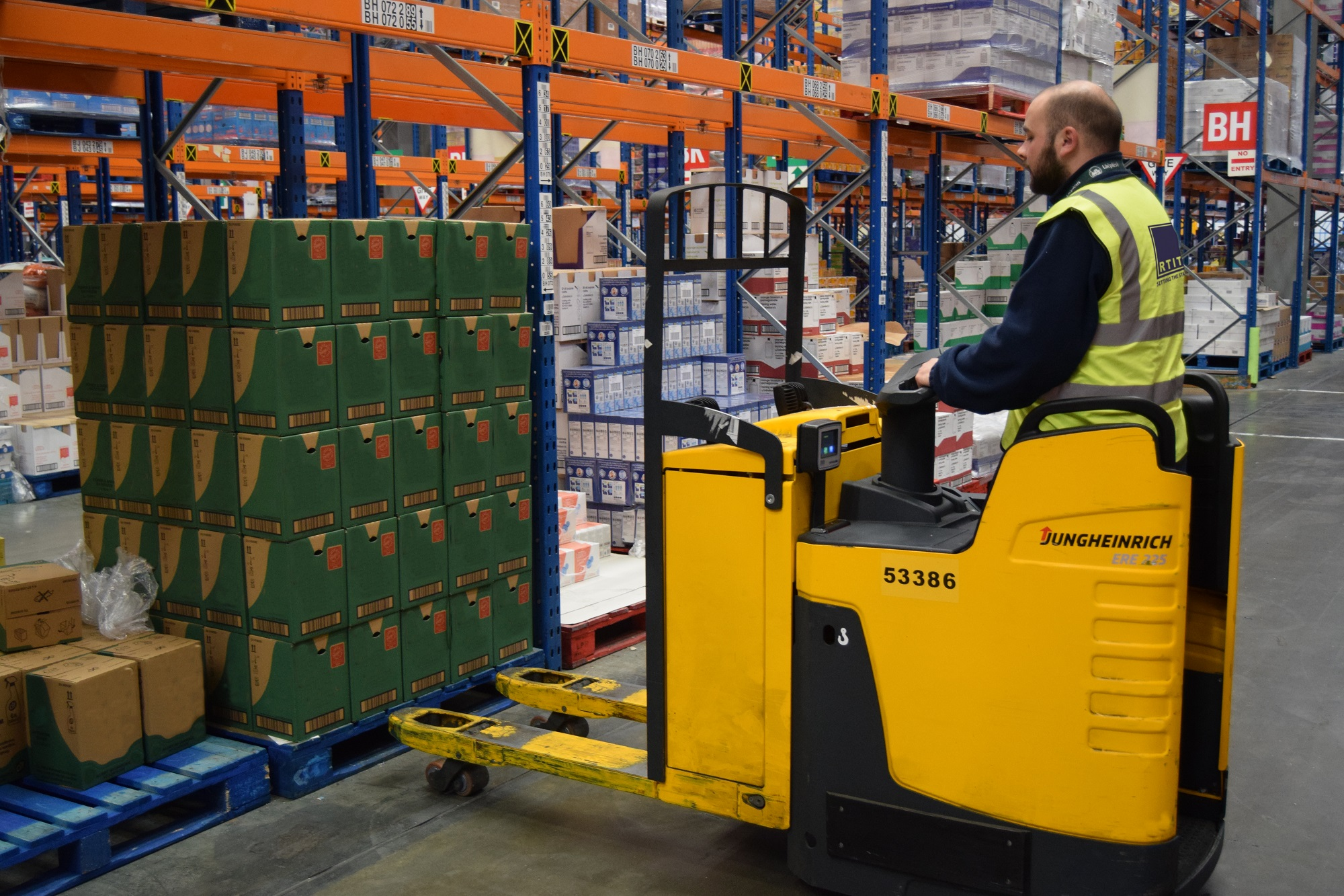 Everything you need to know about Pallet Truck Training (… and training for similar machines)