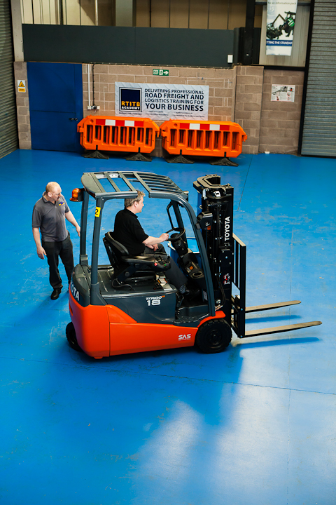 The Top 10 Forklift Training Myths