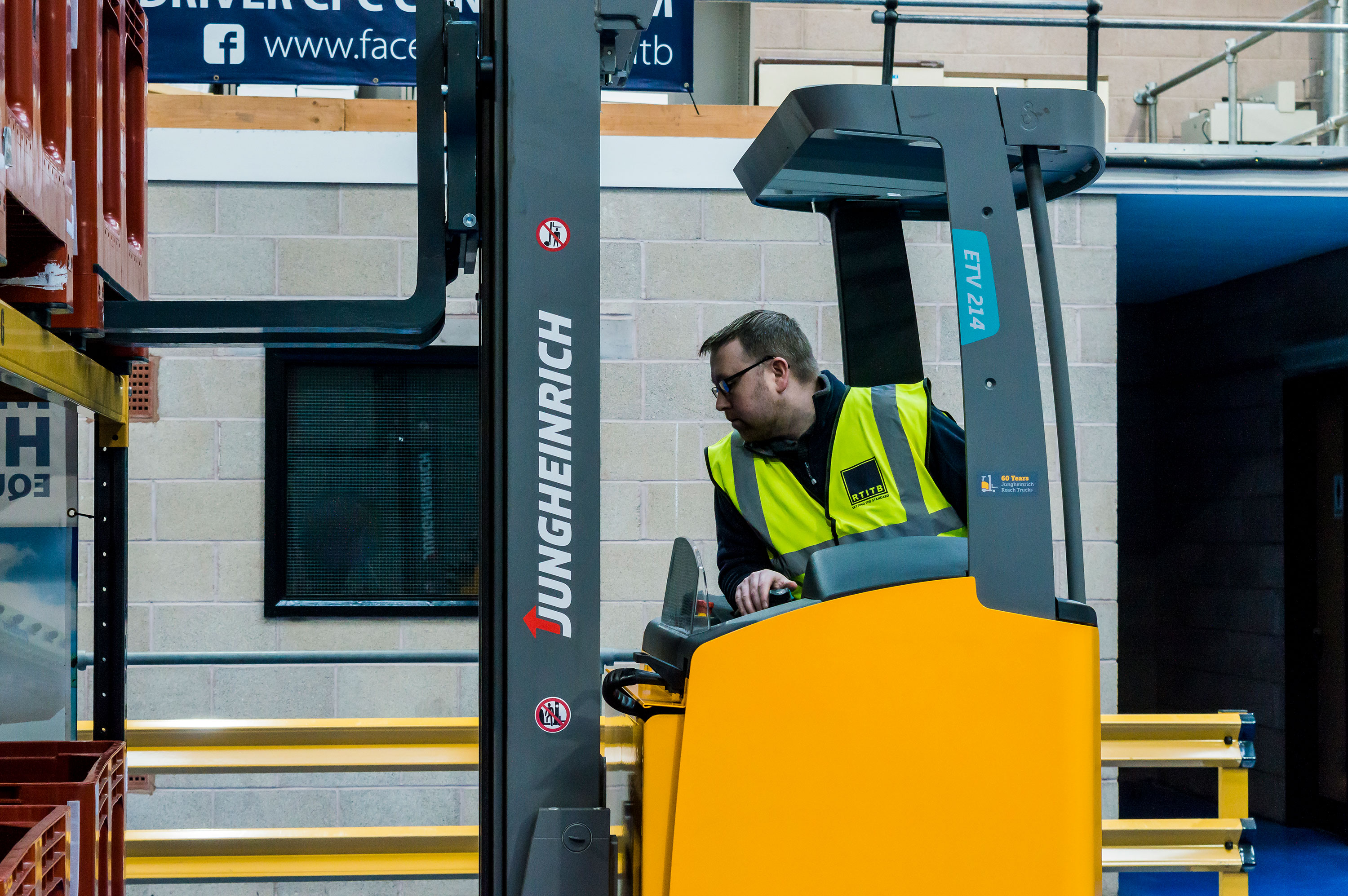 Keep the supply chain going with RTITB online forklift truck training